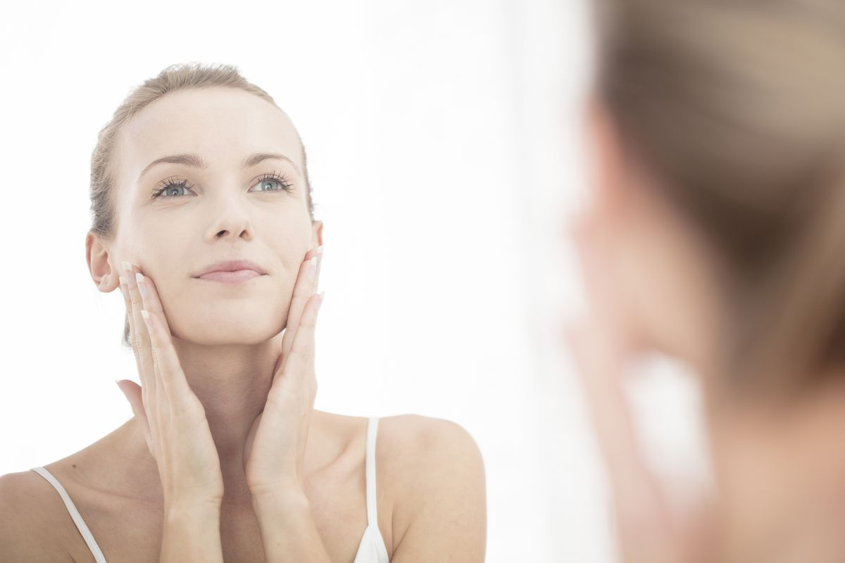 Outdated Acne Advice We All Still Believe